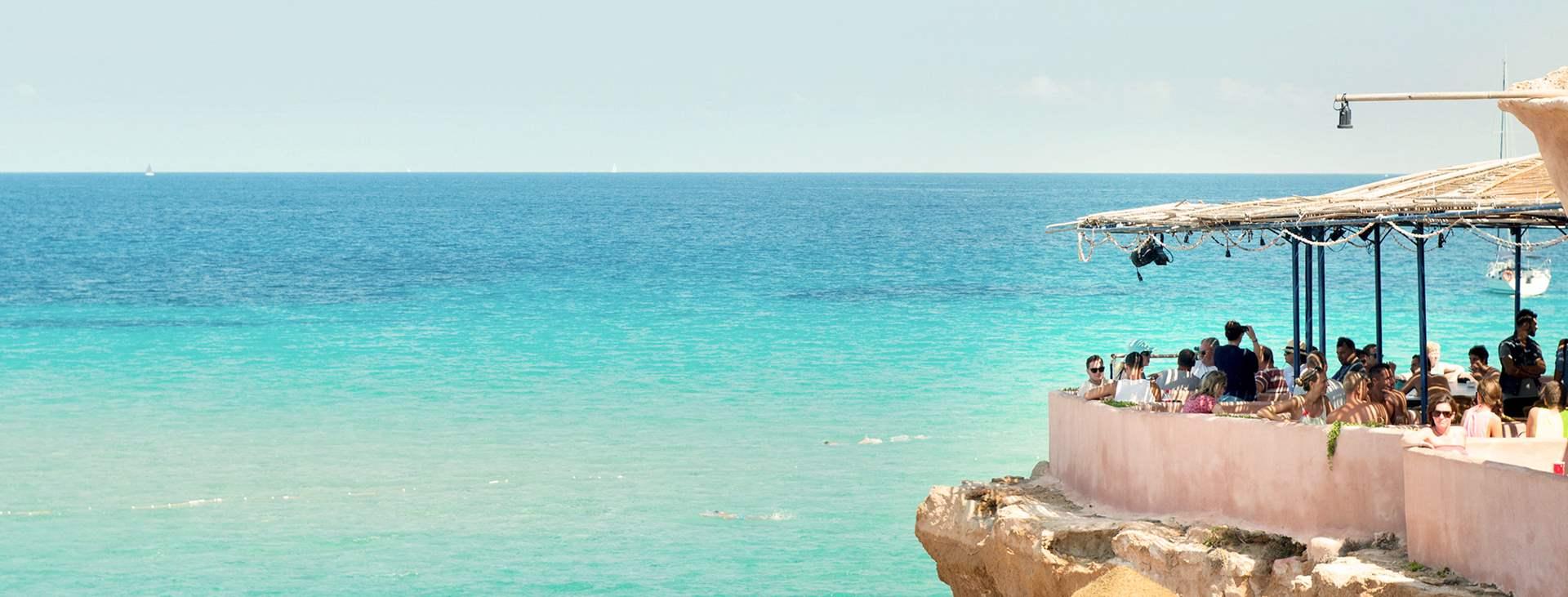 Varaa lomamatkasi Tjäreborgilta Ibizalle, Espanjaan