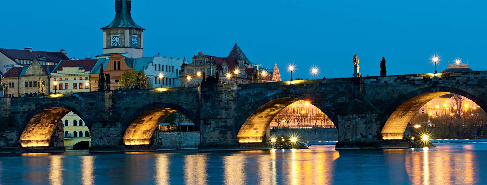 Lähde Tsekkeihin ja varaa lento+hotelli -matka Tjäreborgilta