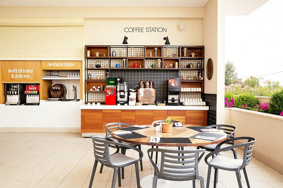 Kahvipiste buffetravintolassa