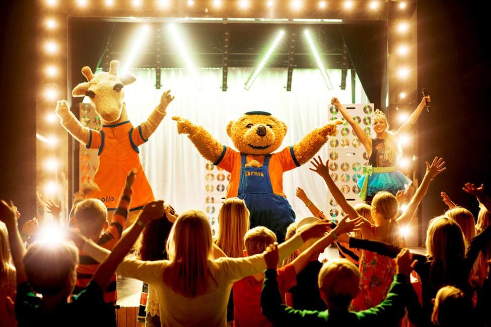 Lollon & Bernien iltashowt tekevät lapset onnellisiksi.