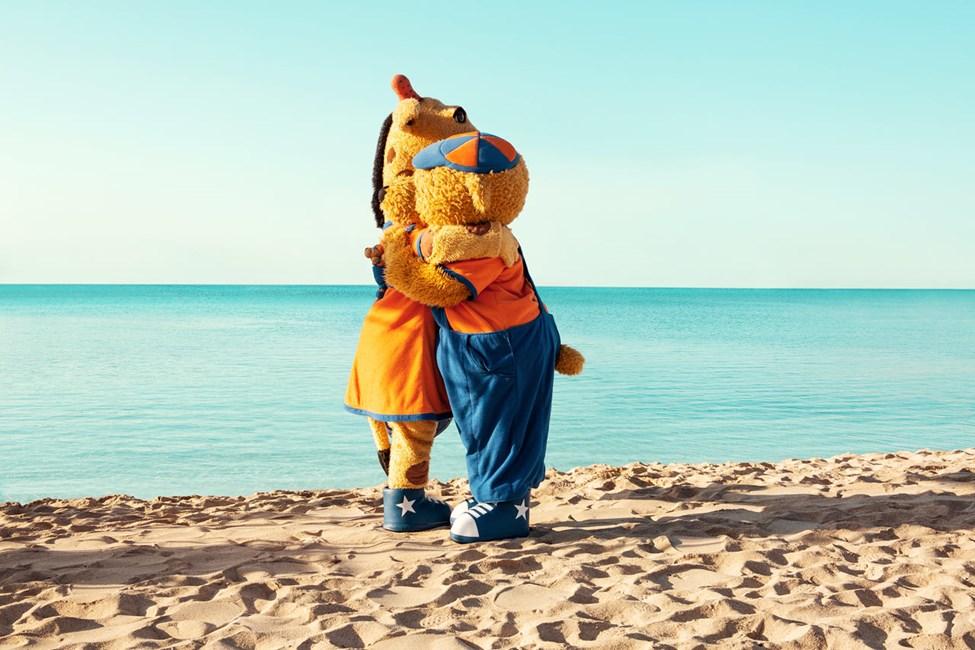 Sunwing SiTapaa viisas Bernie ja utelias Lolloa Sunwing Side Beach -hotellissa