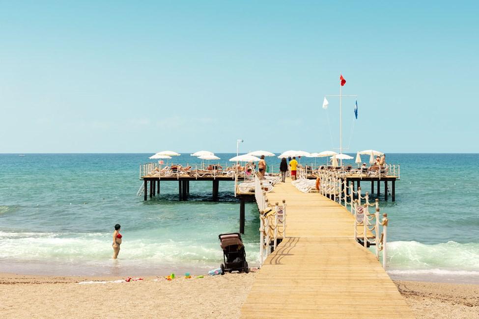 Sunprime C-Loungen omalla rantakaistaleella on ilmaiset aurinkotuolit hotellin omille vieraille.