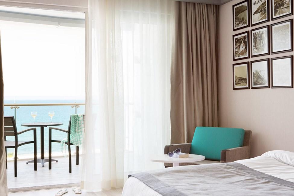 Classic Room, parveke ja merinäköala