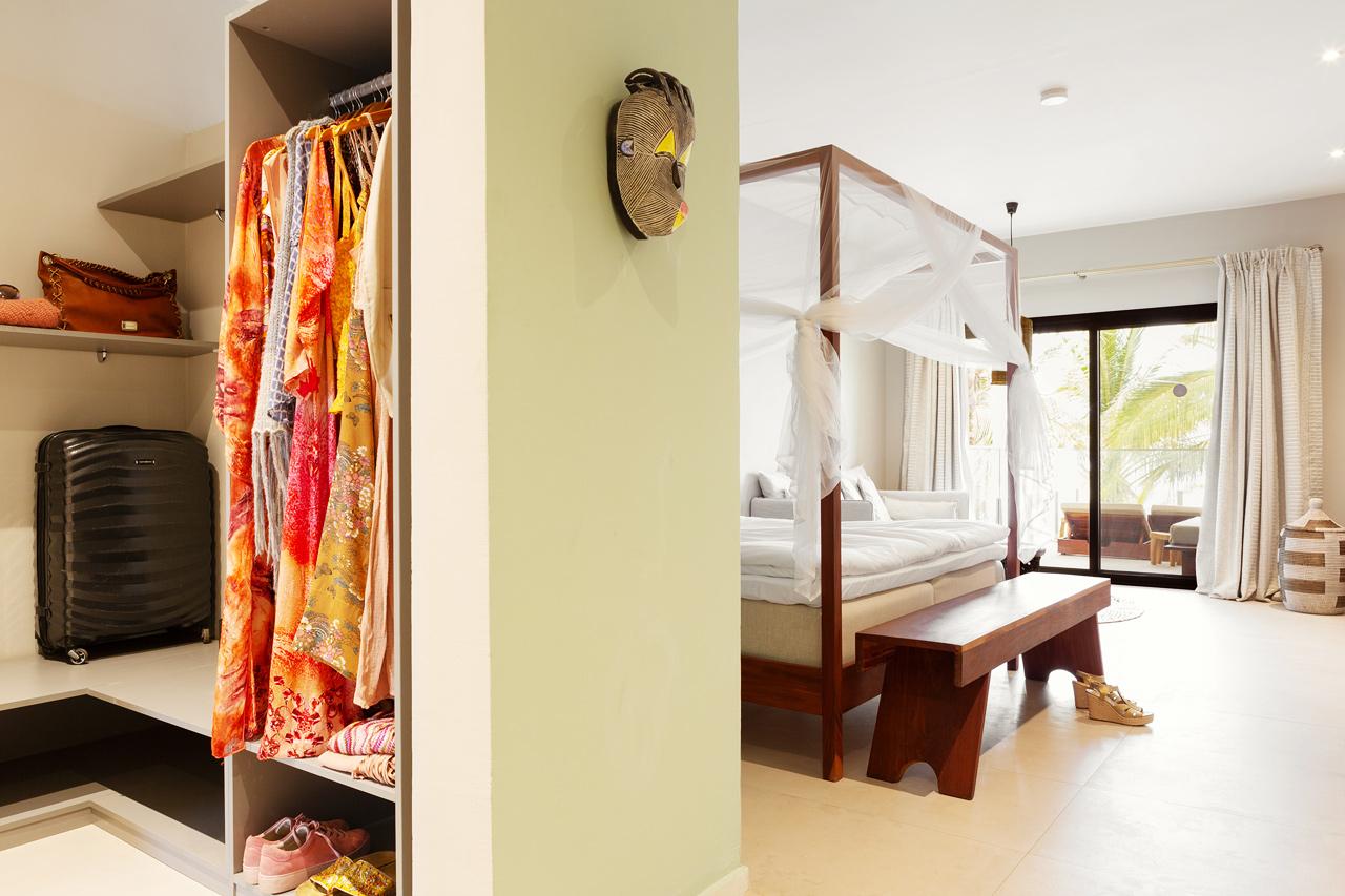 Classic Suite, 1 huone, parveke merelle päin. Hyttysverkko erikseen pyydettäessä.