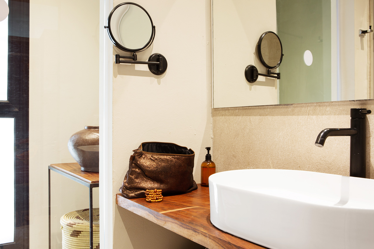 Esimerkkikuva sviitin kylpyhuoneesta