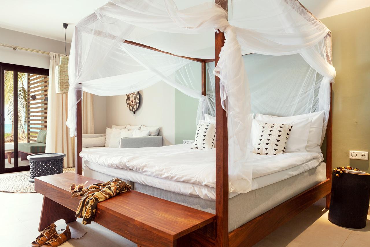 Prime Pool Suite, 1 huone, terassi meren puolella, suora pääsy yksityiseen, jaettuun altaaseen. Hyttysverkko erikseen pyydettäessä.