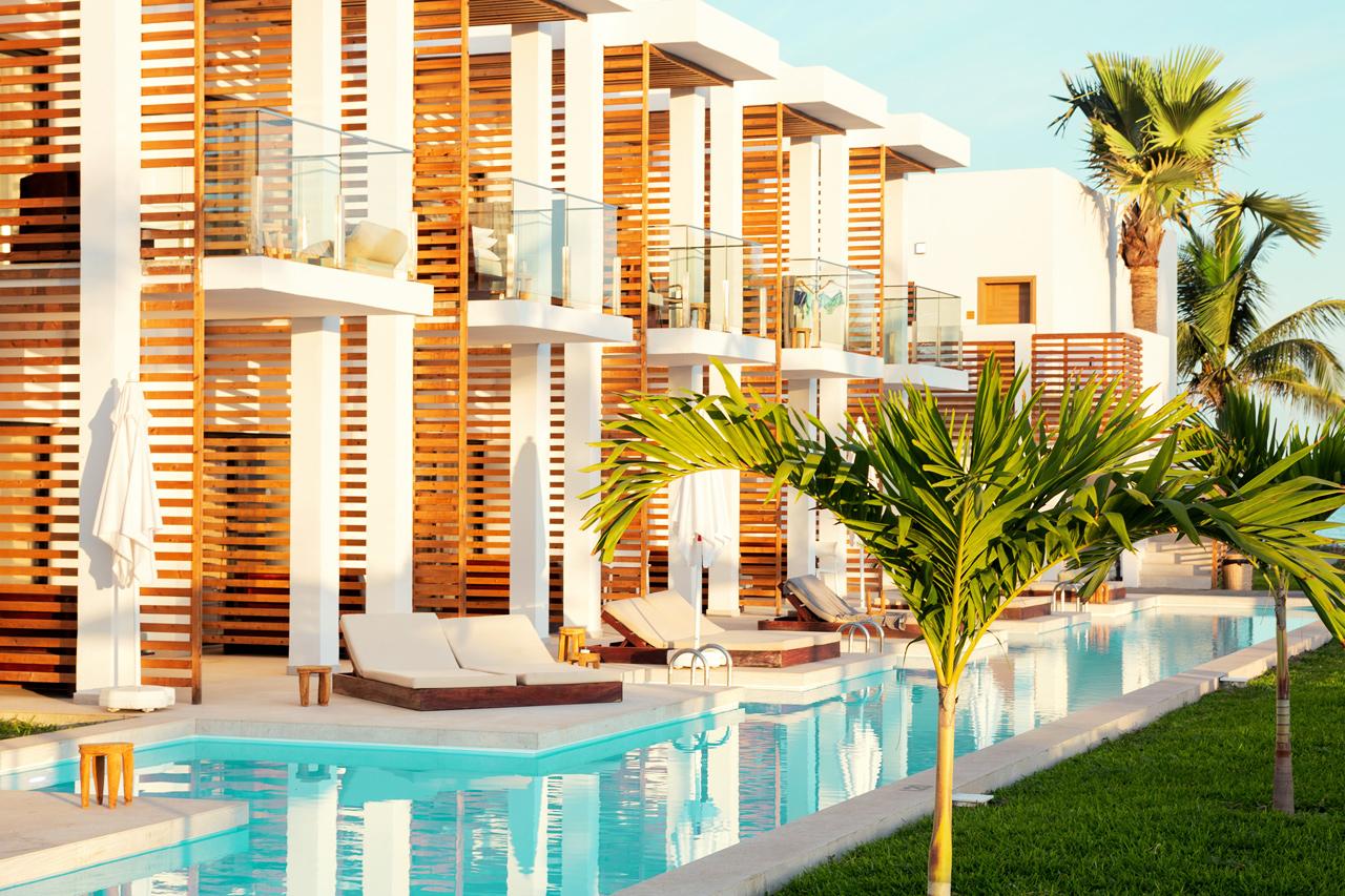 Prime Pool Suite, 1 huone, terassi meren puolella, suora pääsy yksityiseen, jaettuun altaaseen