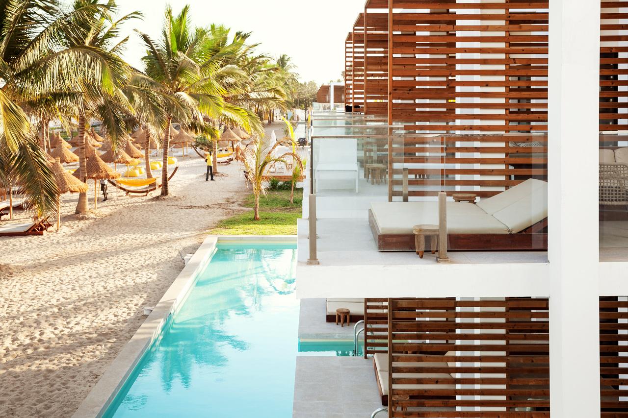 Classic Suite, 1 huone, parveke meren puolella ja Prime Pool Suite, 1 huone, terassi meren pyuolella ja suora pääsy yksityiseen, jaettuun altaaseen