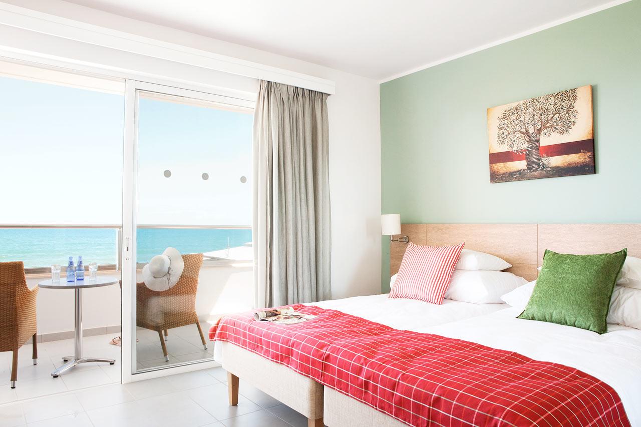 Classic Room ja parveke merelle päin