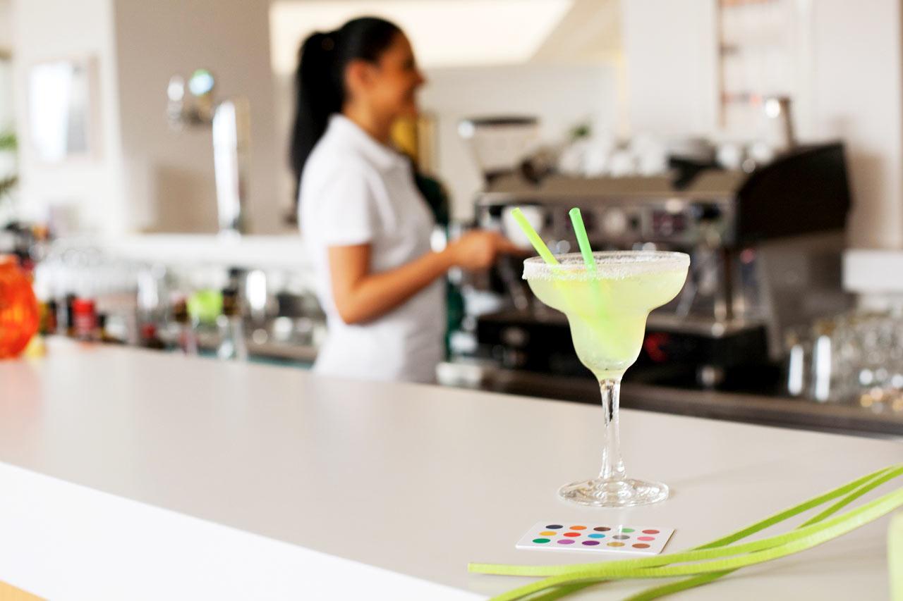 Nauti viilentävä juoma baarissa