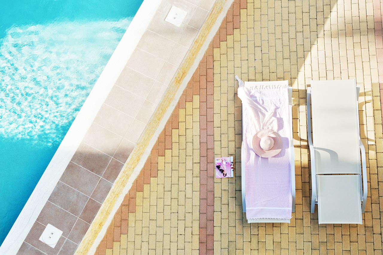Classic Room, terassilta pääsy omaan, jaettuun uima-altaaseen