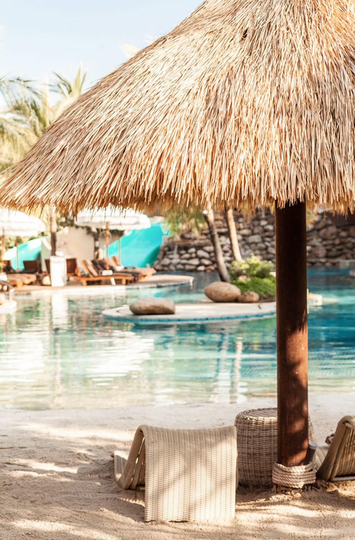 Uima-allas, jossa pieni keinotekoinen hiekkaranta