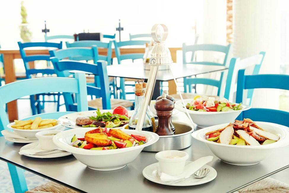 Iakovo's Kitchen & Grill -ravintolassa on tarjolla kreikkalaisen keittiön herkkuja sekä tunnettuja suosikkeja.