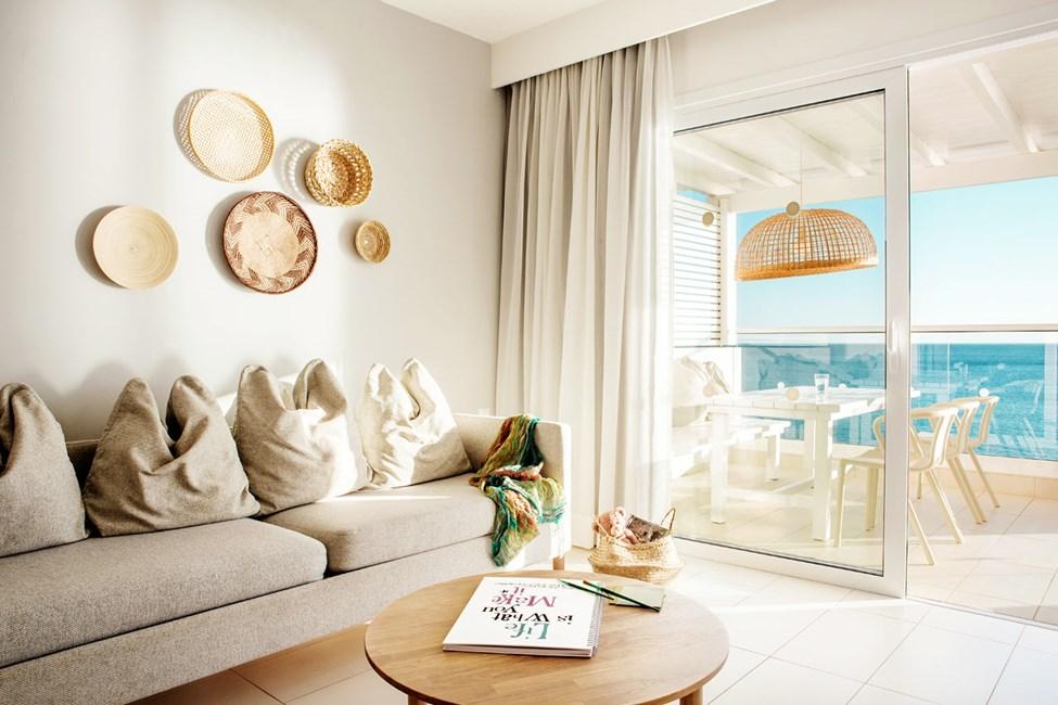 Royal Family Suite -kolmio, suuri parveke ja merinäköala, Afrodite.
