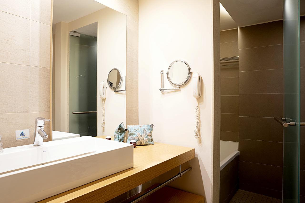 Kahden hengen huoneen kylpyhuone