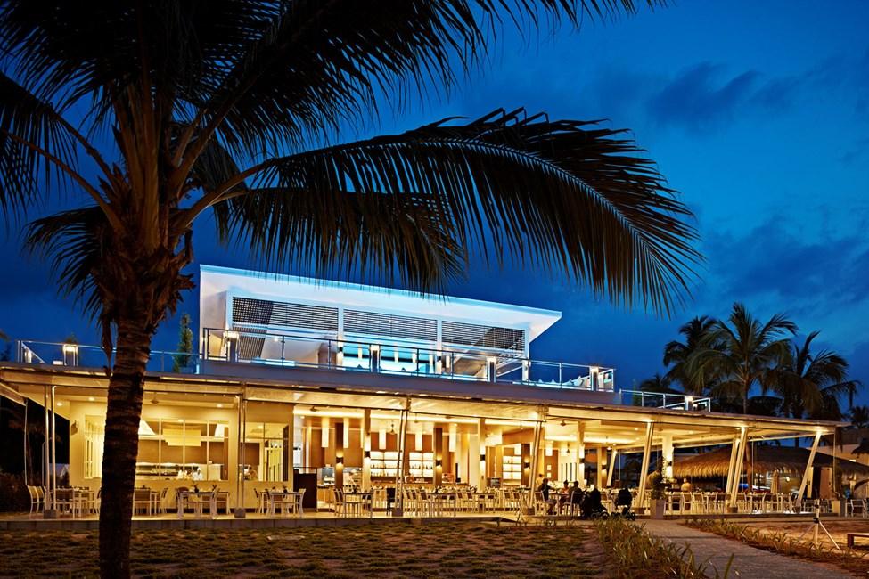 Hotellin ravintolasta on houkutteleva merinäköala.
