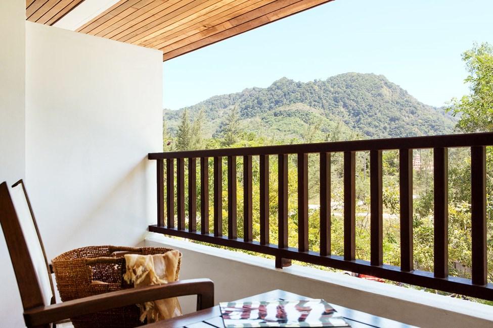 Classic Suite, parveke ympäristön suuntaan