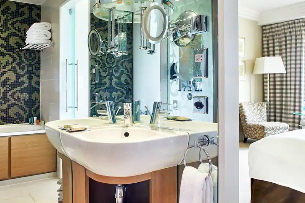 Esimerkkikuva kylpyhuoneesta