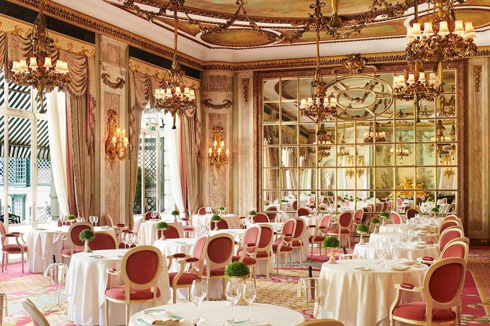 Palkittu The Ritz Restaurant