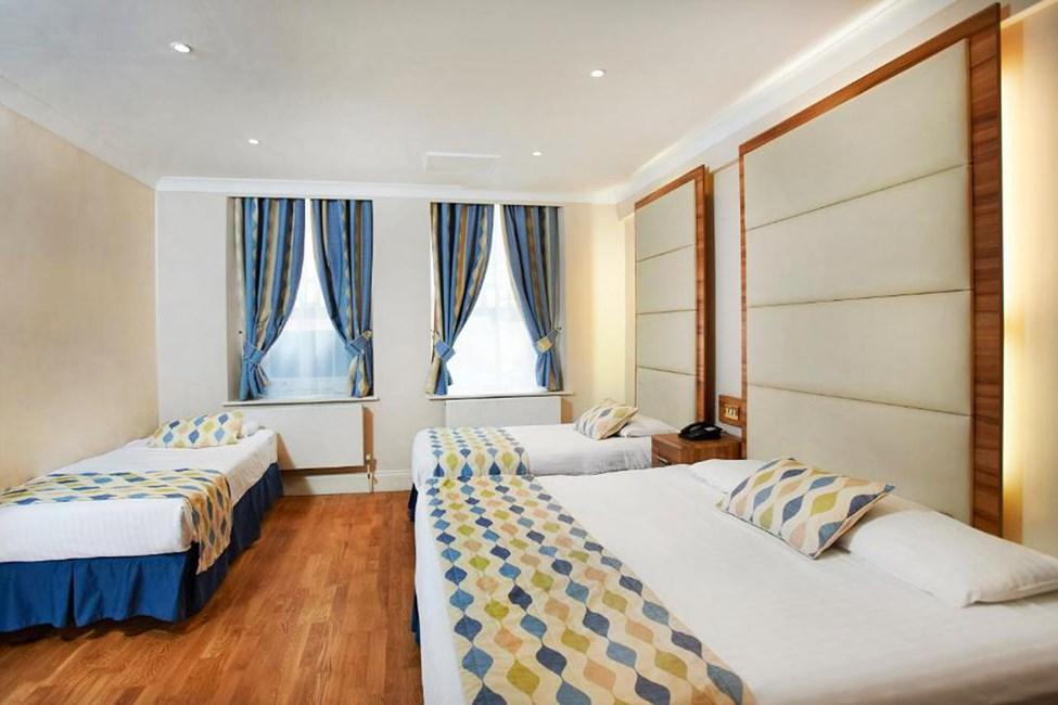 Huone, johon mahtuu 4 henkeä