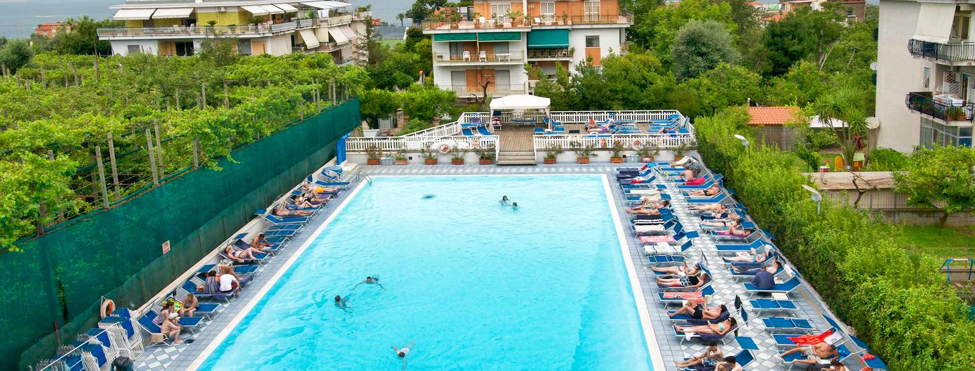 Grand Hotel Flora, Sorrento, Amalfin rannikko, Italia