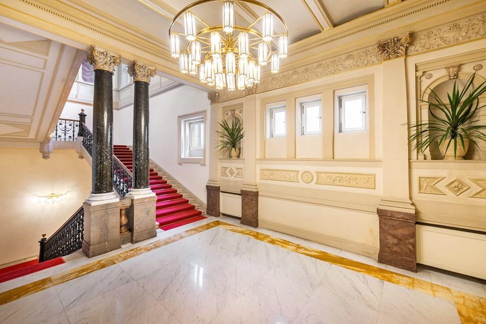 Hotellin kaunis portaikko