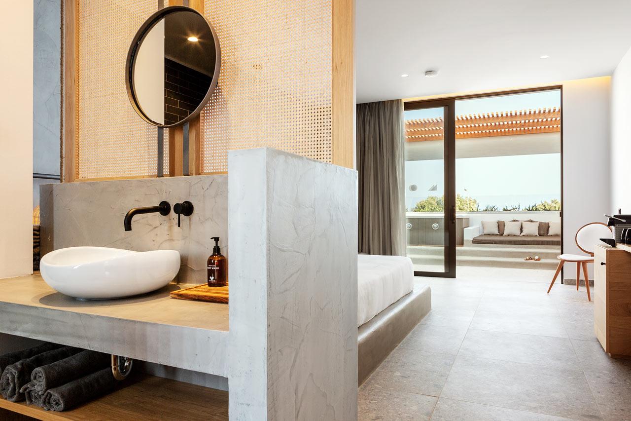 Classic Room, 1 huone, parvekkeella jacuzzi, meren puolella