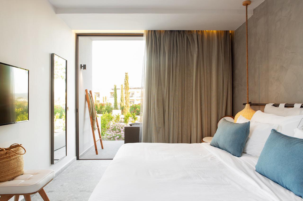 Classic Room, 1 huone, terassi ympäristön suuntaan