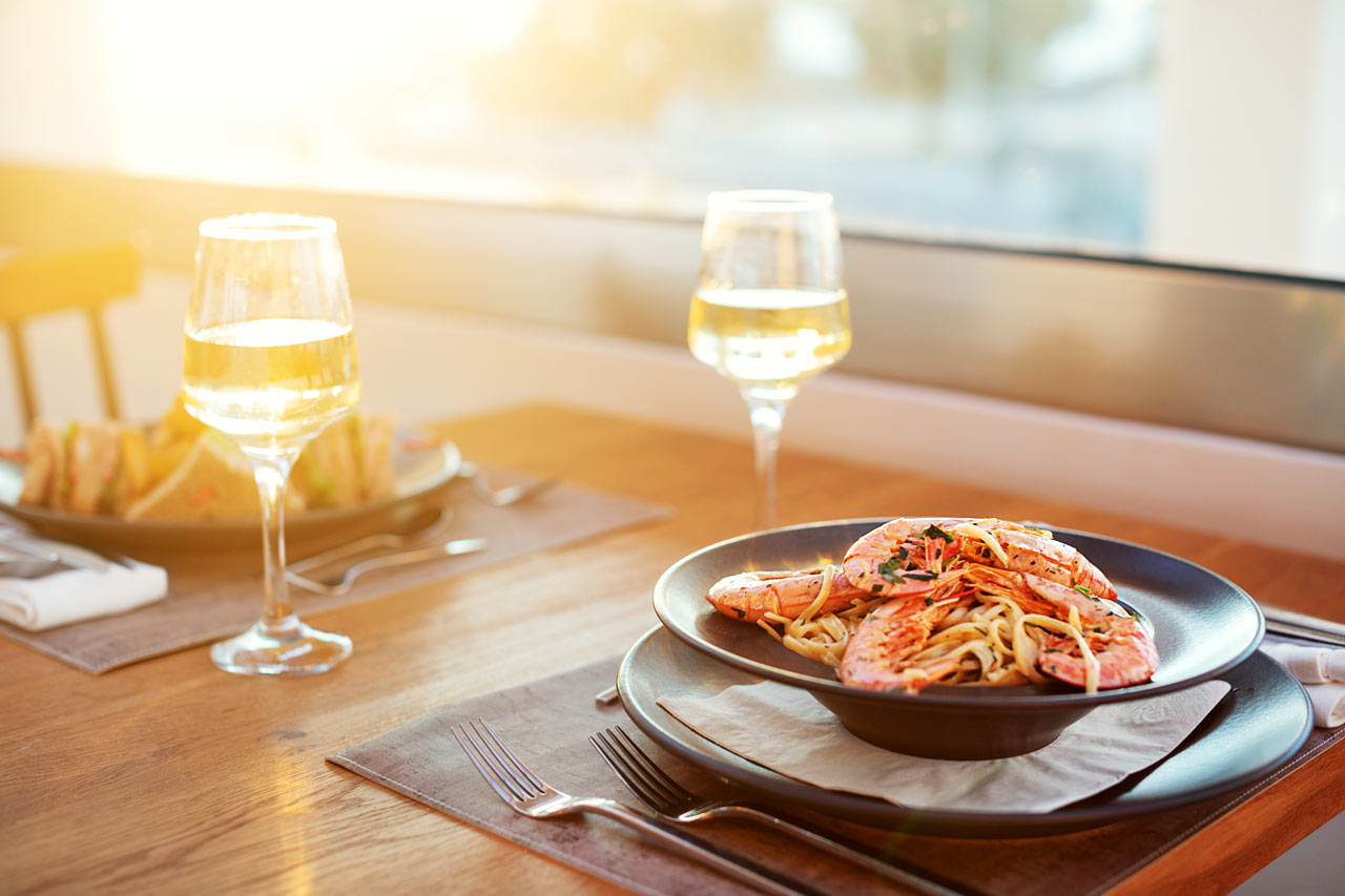 Nauti maukas illallinen hotellin ravintolassa