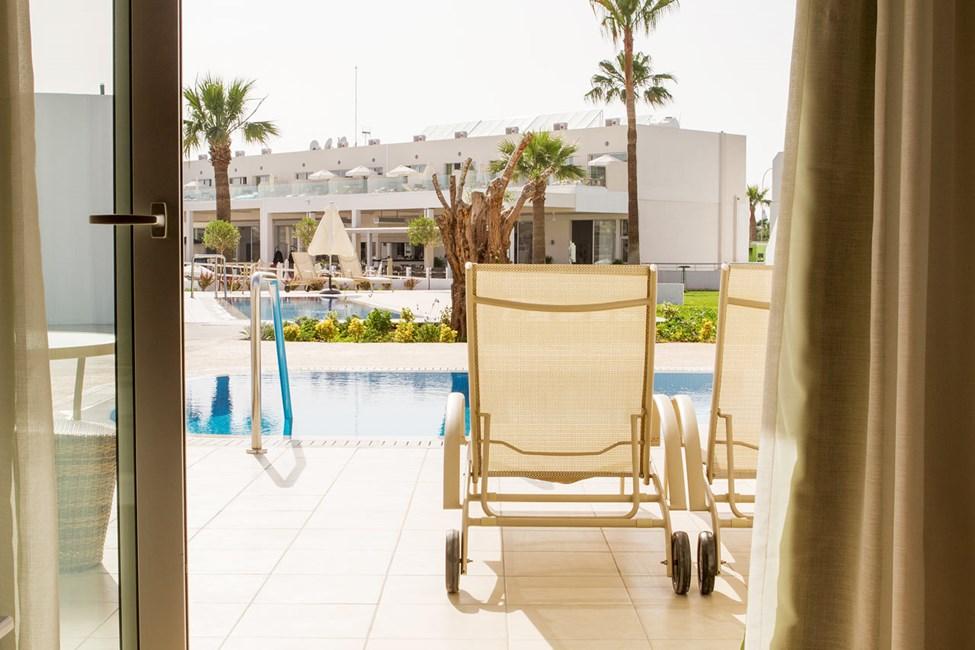 Prime Pool Suite, 2 huonetta, terassilla oma uima-allas