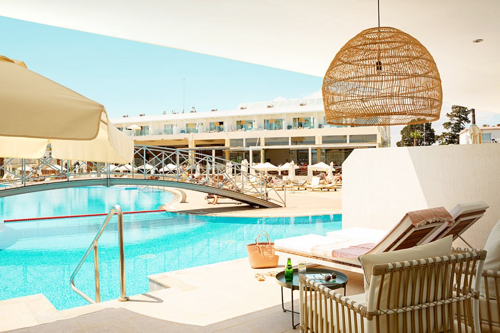 Prime Pool Suite, 2 huonetta, terassilta suora pääsy hotellin altaaseen