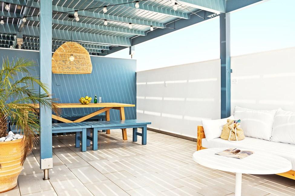 CLUB SUITE, 3 huonetta, iso parveke ja kattoterassi, molemmilta merinäköala
