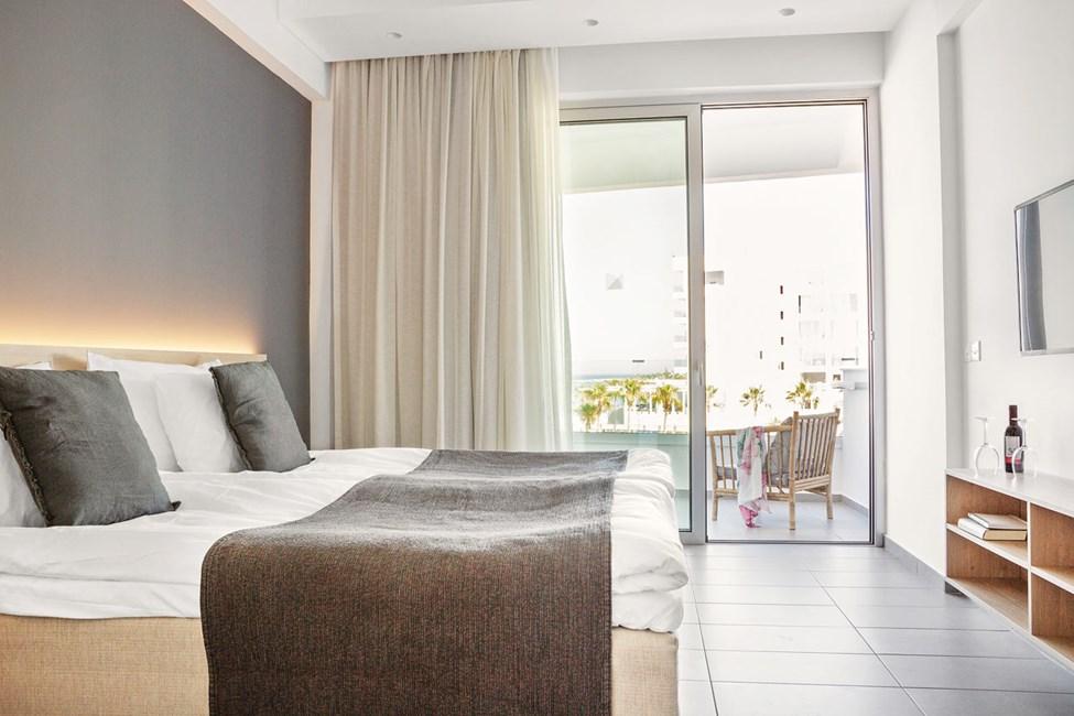 Classic Room - 1 huone, parveke meren puolella