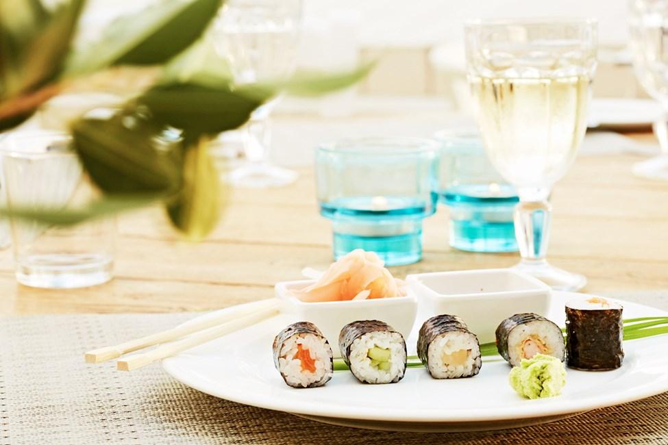 Yhtenä iltana voit nauttia aasialaisista makuelämyksistä buffetravintolassa.