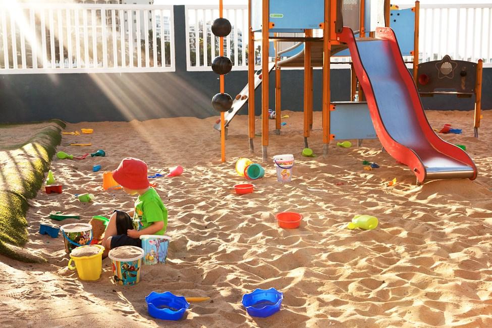 Lollo & Bernie Clubin vieressä sijaitseva leikkipaikka
