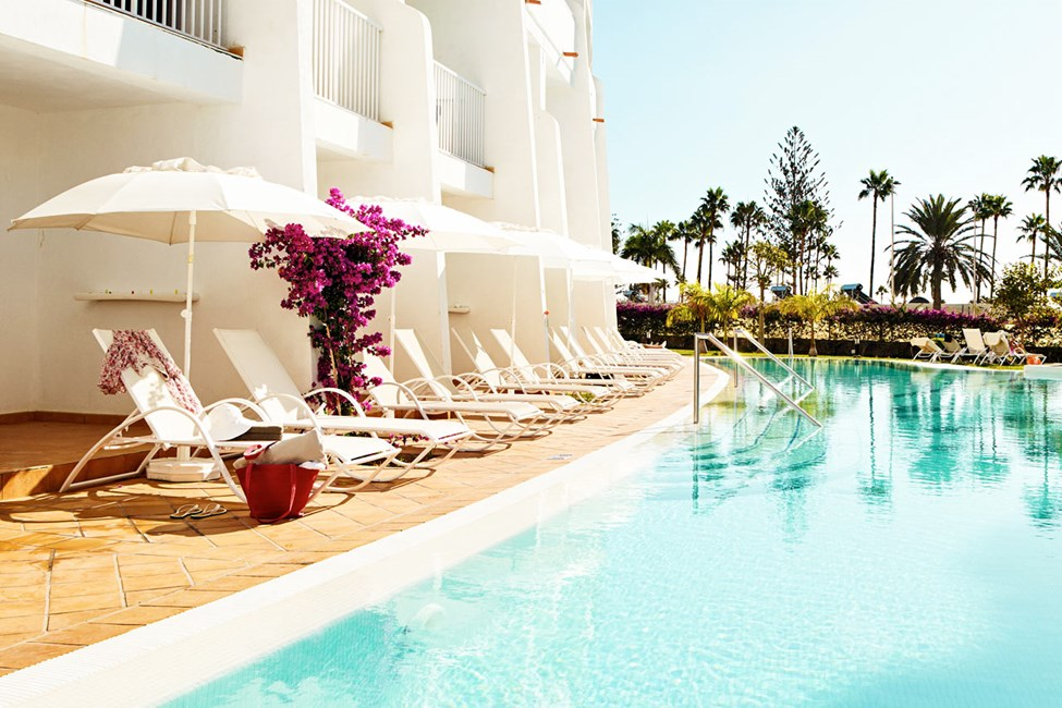 Classic Pool Suite ja terassilta suora pääsy uima-altaaseen