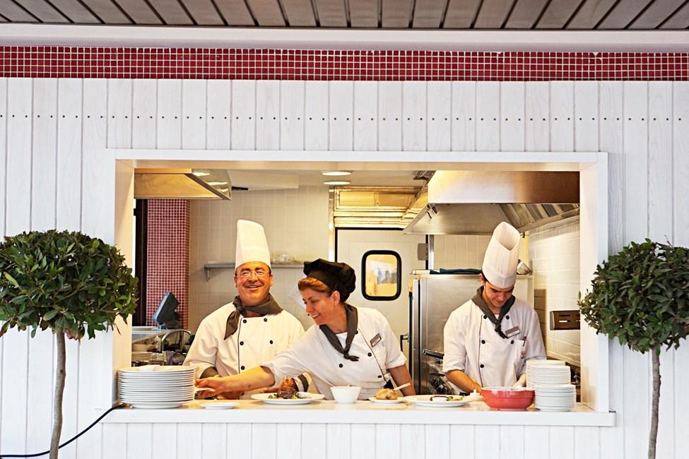 Sunwing Alcudiassa on useita ravintoloita, joissa voit nauttia taidolla laitetuista ruoka-annoksista.