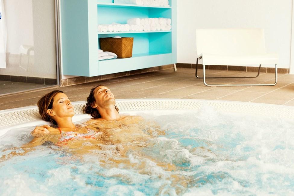 Spa-osastolla voit nauttia erilaisista hieronnoista, kokovartalokuorinnoista ja monista muista ihanista hoidoista.