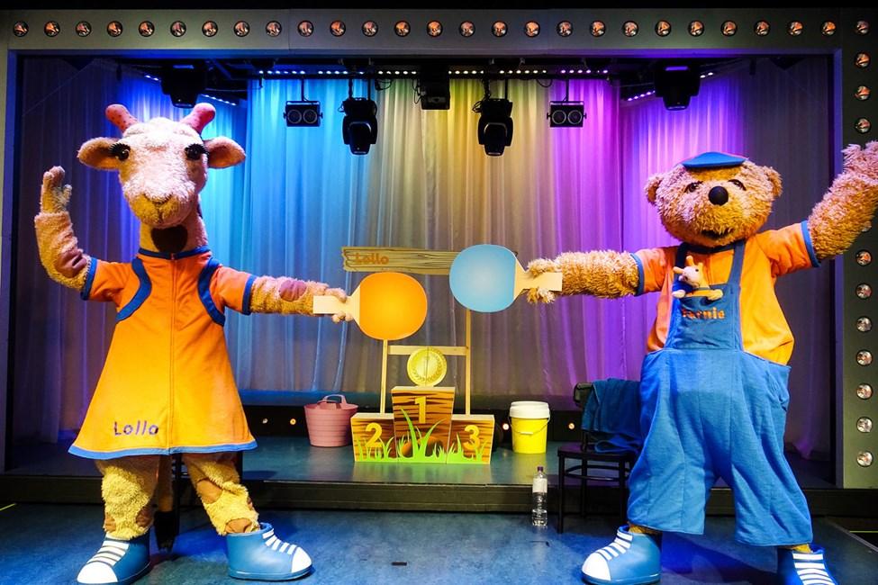 Lollon & Bernien hauskoissa showesityksissä viihtyvät sekä lapset että aikuiset