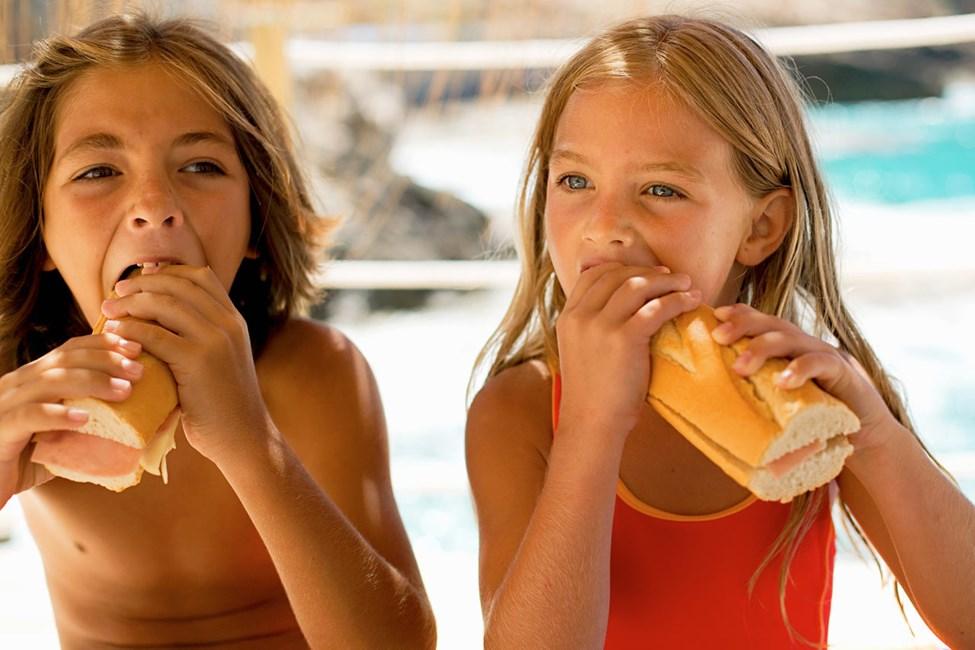 Sunwing Cala Bona Beachissä on tarjolla monenlaisia herkkuja, jotka tyydyttävät sekä isot että pienet vatsat.