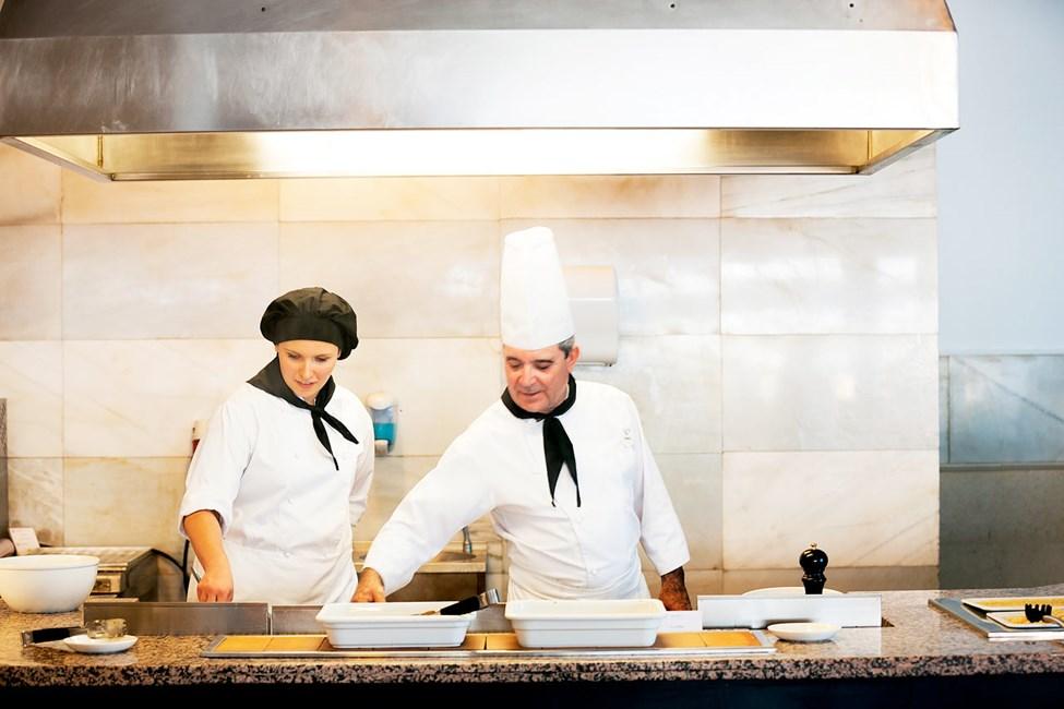 Sunprime Restaurant tarjoaa taidolla tehtyjä ruokia niin aamiaisella, lounaalla kuin illallisellakin.