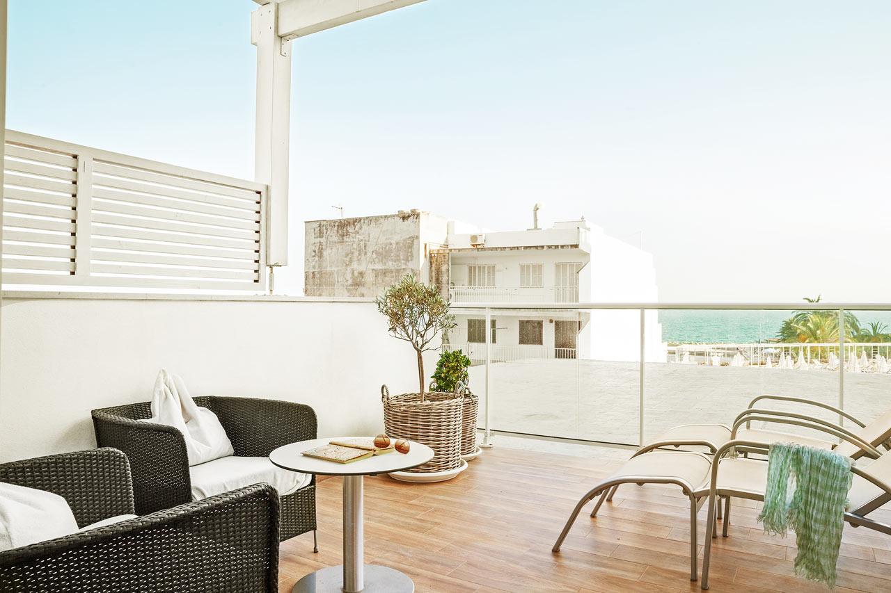 Prime Lounge Suite, suuri terassi ja rajoitettu merinäköala