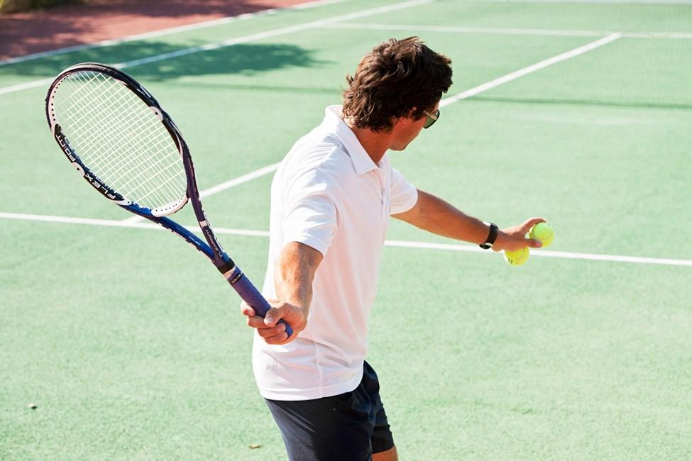 Sunwing Kallithea Beachissä voit pelata tennistä lomasi aikana