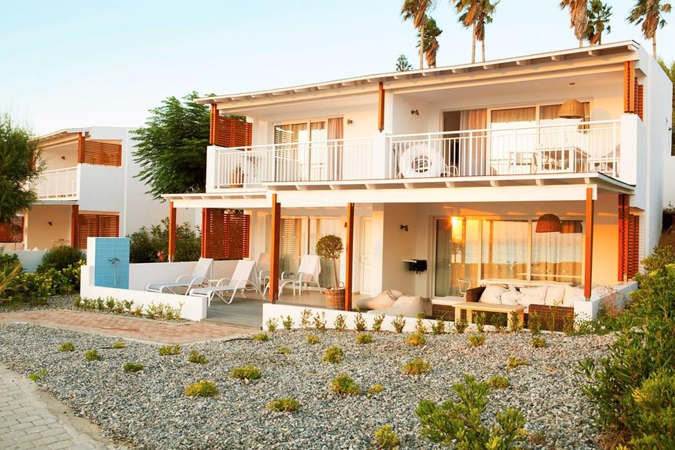 Royal Lounge Suite -huoneistot Poseidonin puolella, lähinnä rantaa