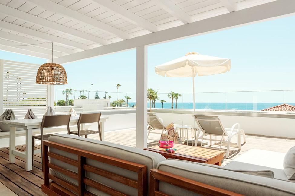 Royal Lounge Suite -kaksio, iso terassi ja merinäköala (Athena)