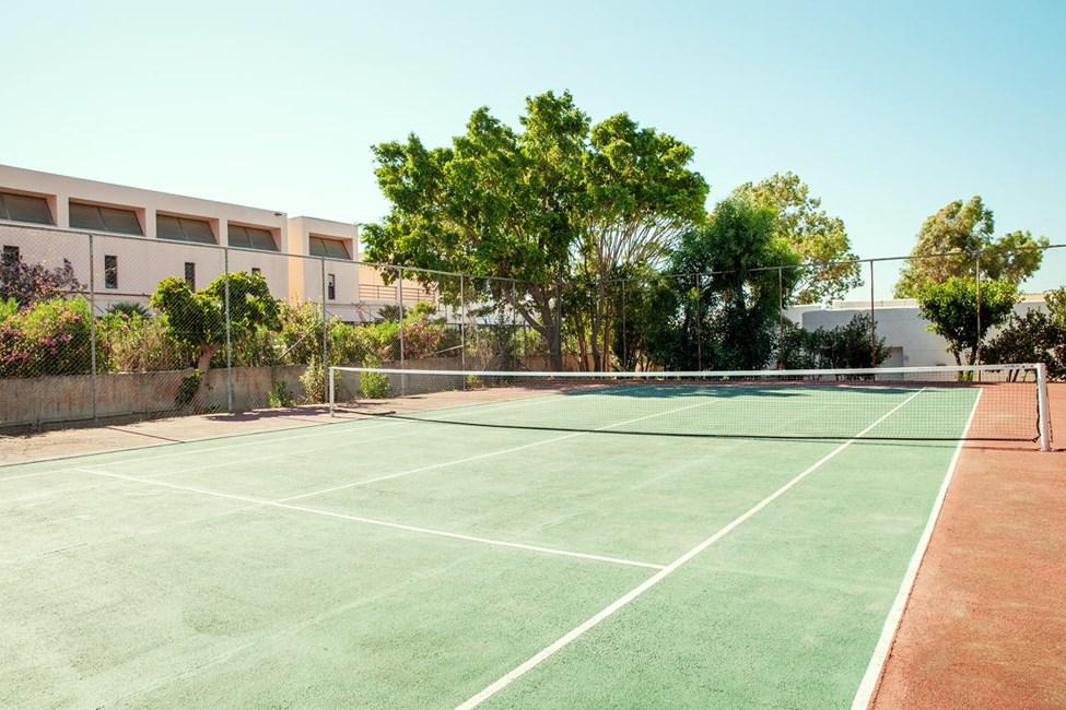 Täällä voit pelata tennistä