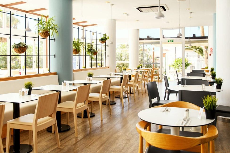Modernista buffetravintolasta poistut taatusti kylläisenä