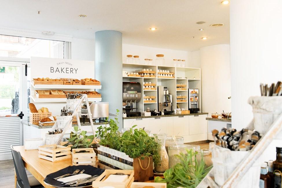 Saako olla aamiaiseksi tuoretta leipää ja hyvää kahvia?