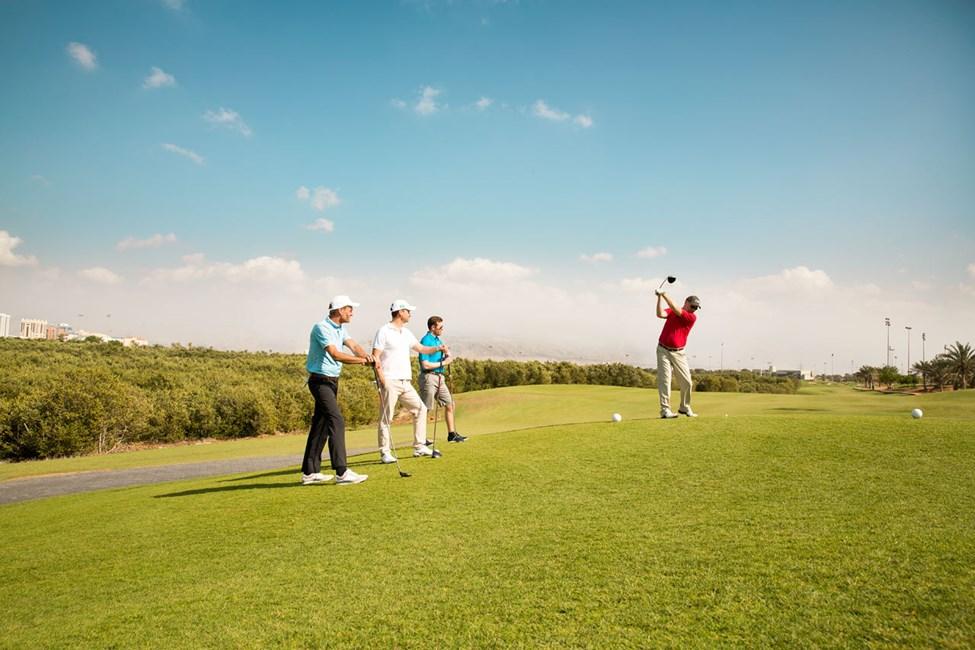 Ras Al Khaimahissa on useita golfkenttiä, mm. suosittu Tower Links