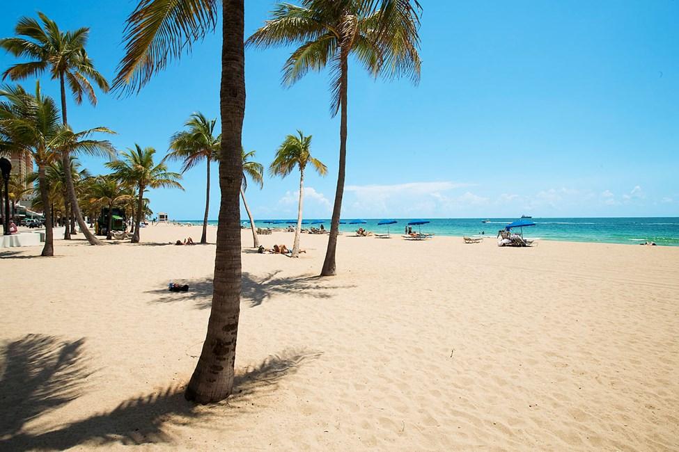 Fort Lauderdalessa on ihana ilmasto ja rannat kymmenien kilometrien pituiset, valkoiset ja palmujen reunustamat